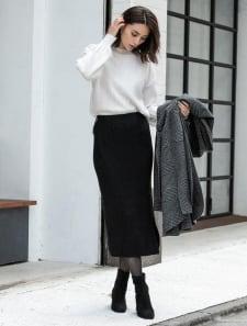 サイドスリットロングニットスカート
