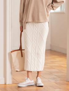 ケーブルニットタイトスカート