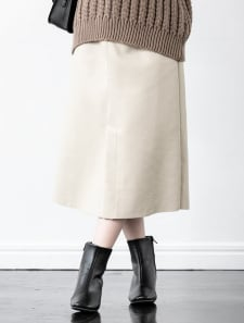 フェイクレザーミディスカート