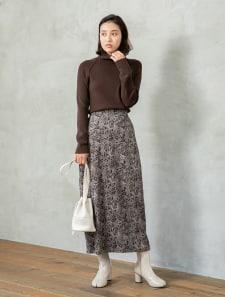 ペイズリー柄スエードタッチスカート