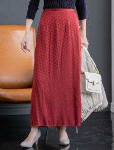 バックスリットダイヤ柄サテンスカート