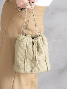 キルティング巾着ショルダーバッグ