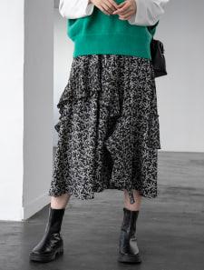 シックフラワーデザインフレアスカート