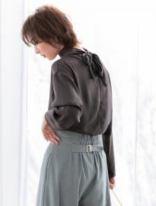 【星玲奈レコメンド】バックタイヴィンテージサテンシアーブラウス