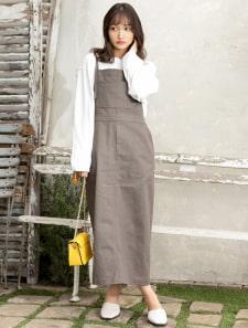 バックスリットサロペットスカート
