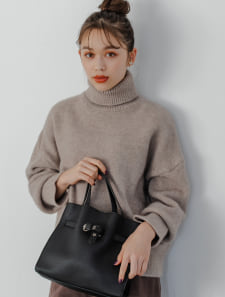 ベルトデザインハンドバッグ
