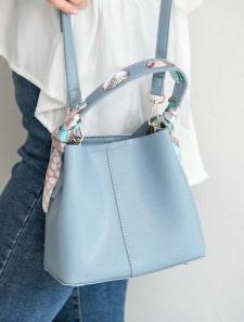 編み込みスカーフハンドルミニバッグ