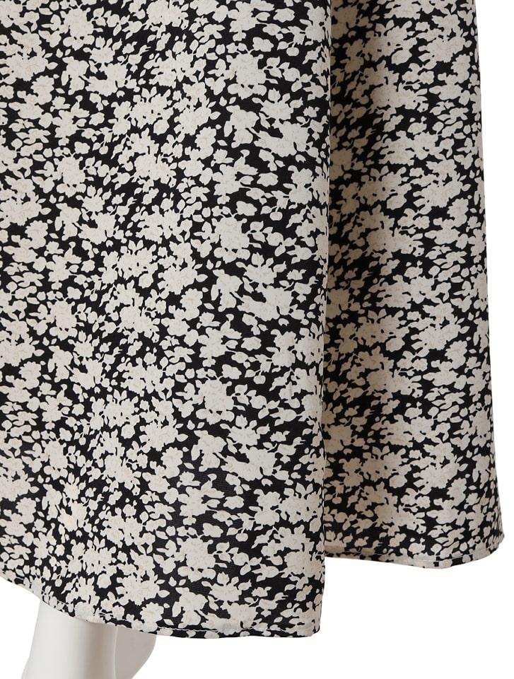 単色花柄フレアスカート