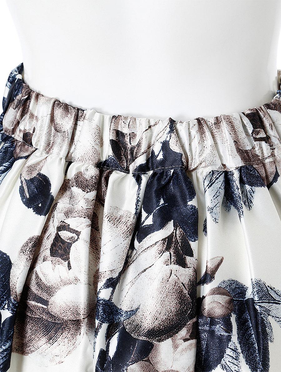 フラワーモチーフタックフレアスカート